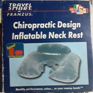 Inflatable neck rest